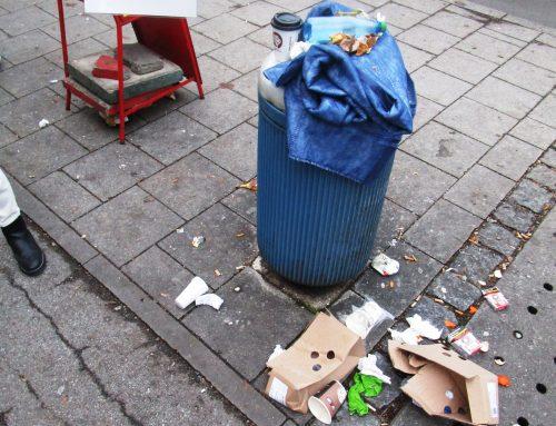LOK Arrival: Müll auf dem Schulweg